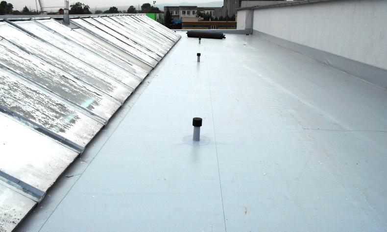 Rekonštrukcia plochej strechy Ostrov