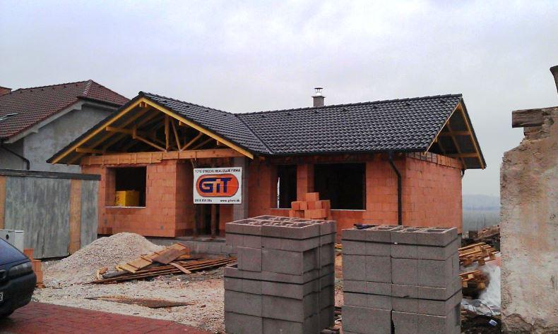 Rekonštrukcia šikmá strecha RD Pečenady 1